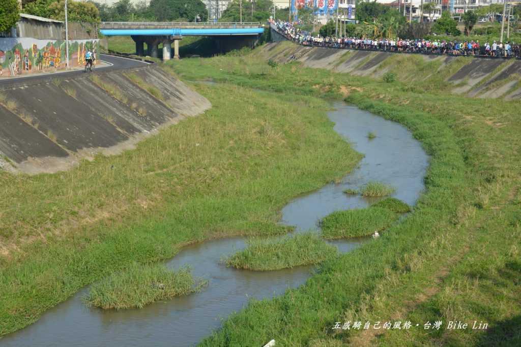 鹽港溪左岸自行車道