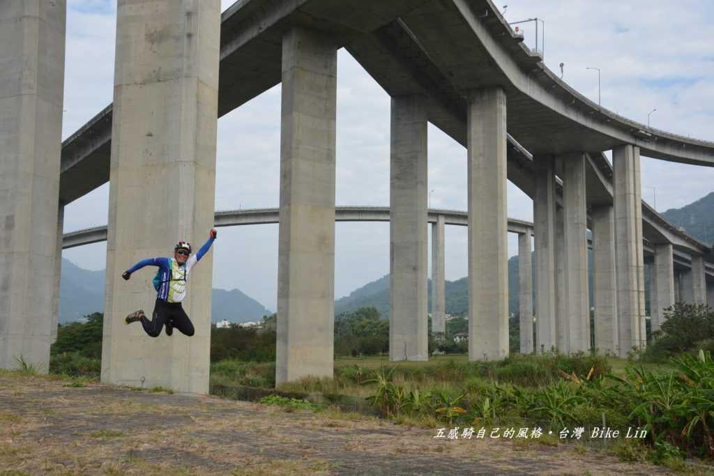 「國6高架橋景觀」旅人之威