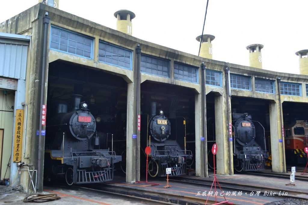 三輛蒸汽老火車都在家
