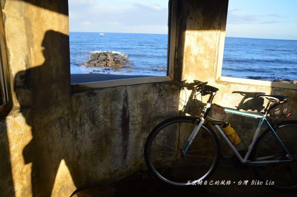 午后在打馬煙碉堡沉醉遠遠的龜山島