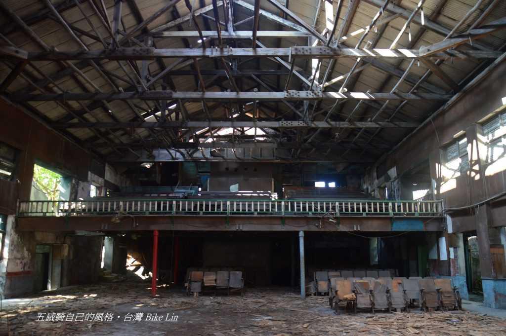 廢墟西螺大戲院眼下「廣合家族」