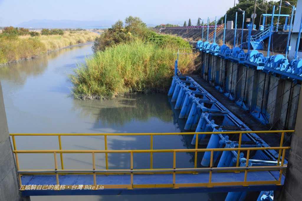 進水口三層式水門設
