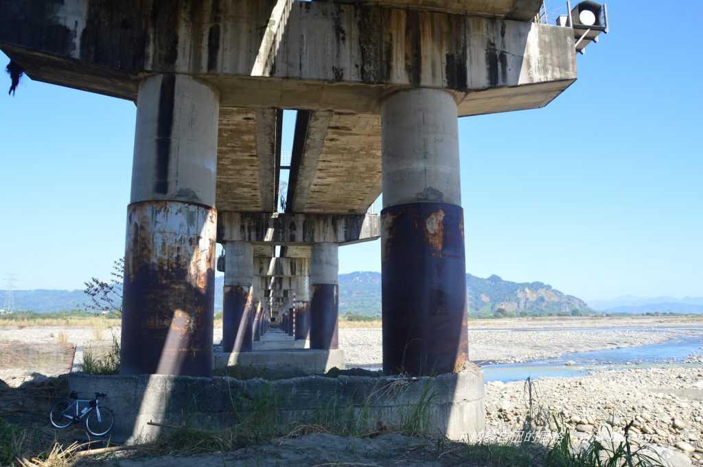 惡水上的大橋