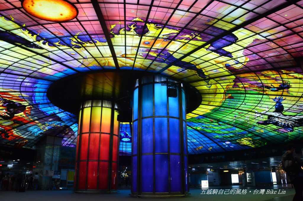 昂貴民主代價地標:捷運美麗島站「光之穹頂」