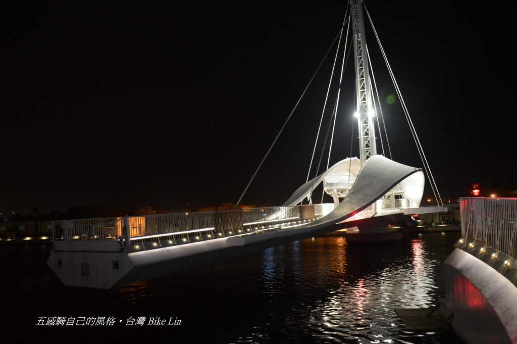 大港橋旋轉開合