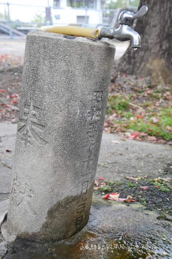 神社鳥居「柱」部份被裝上水龍頭遺跡