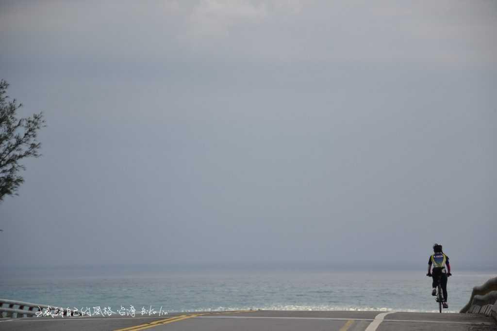 奔落東台灣蔚藍太平洋