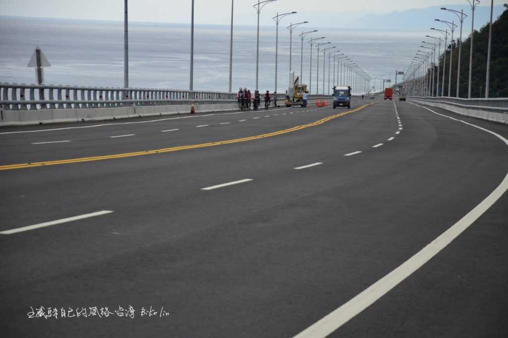 透視金崙大橋坡底山、海、橋致命交叉