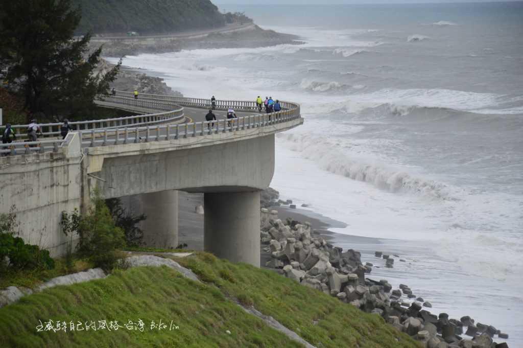 一路無限延伸新水藍台9平洋海岸景觀