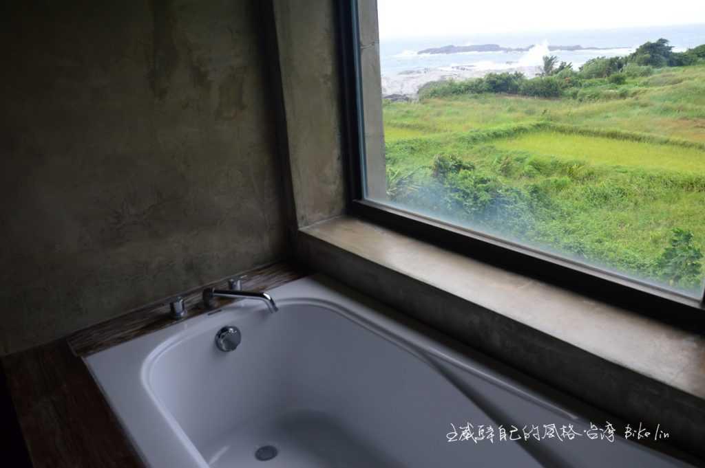 奢侈到極點的浴缸視線