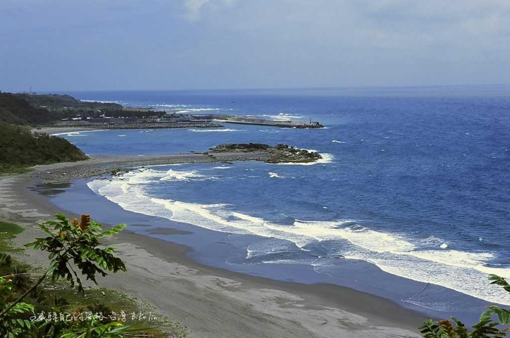 蕈狀雲礁「金樽陸連島」