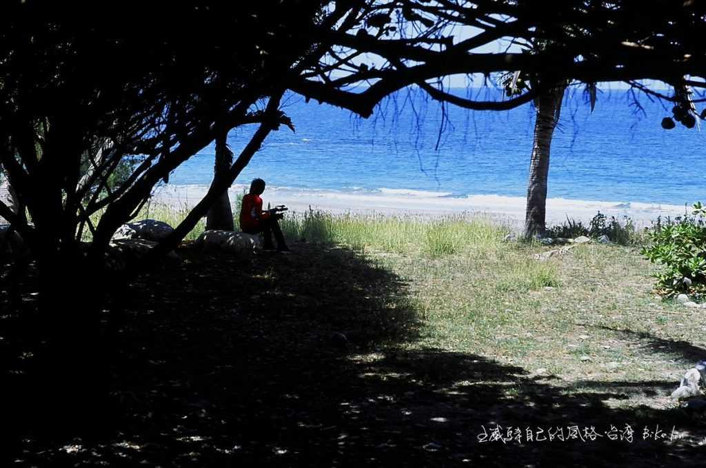 八嗡嗡海灘