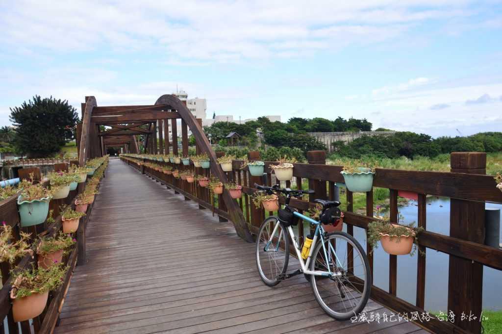 昔日臨港線鐵道鐵橋「米崙溪橋」