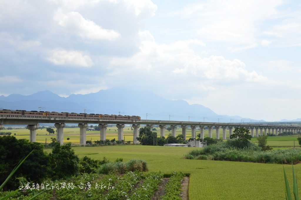 一定滿意順到高架鐵道橋奔馳火車